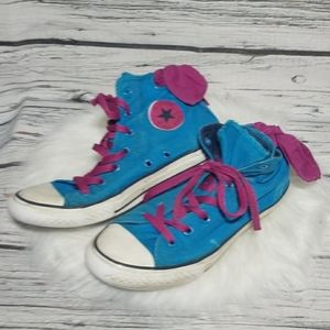 Converse high top lace bow in back shoes sz 6